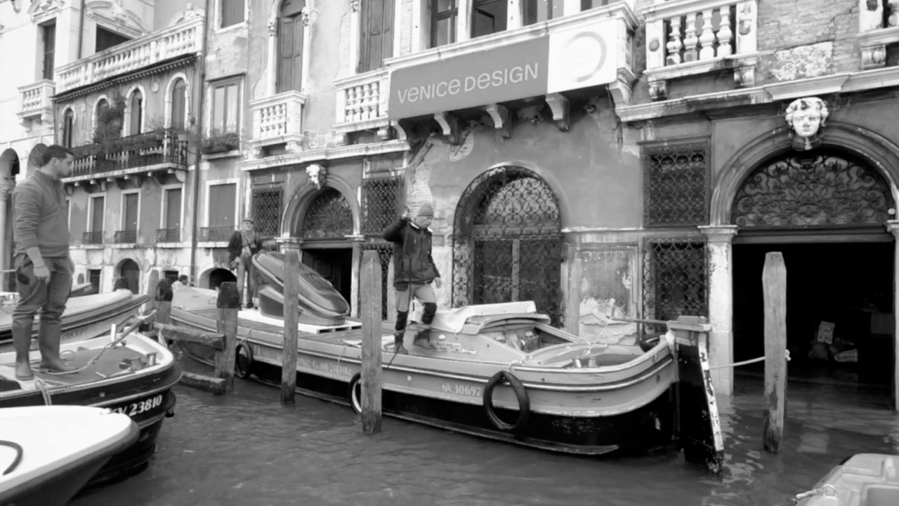 Sarco leaves Venice